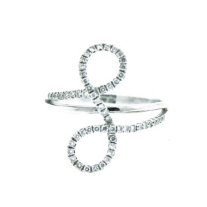 "14K White Gold ""L"" Ring"