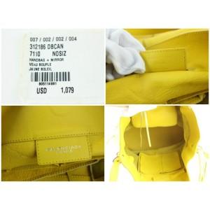 Balenciaga Bucket Jaune Citron Calfskin Papier Drop 10balz0629 Yellow Leather Cross Body Bag
