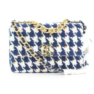 Chanel 21P Small Navy Multicolor Tweed Houndstooth Ribbon 19 Flap Bag 30ccs12
