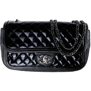 Chanel Classic Flap Medium Lambskin Mini Quilted 18ca530 Black Patent Leather Cross Body Bag
