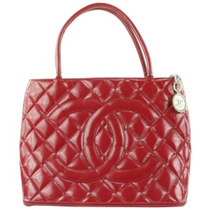 Chanel Red Quilted Patent Medallion Tote Zip Bag 872543