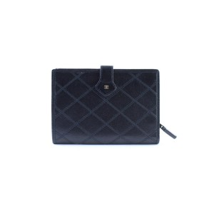 Chanel ( Ultra Rare ) Quilted Bifold Wallet 226431 Black Leather Clutch