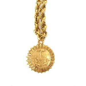 Chanel 24K Gold Tone Hardware Medallion Vintage Pendant Necklace