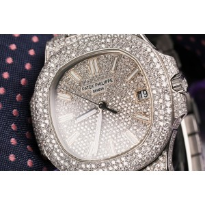 Patek Philippe Nautilus 5711 43mm Mens Watch