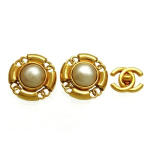 Chanel CC Logo Gold Tone Metal Simulated Glass Pearl Round Earrings