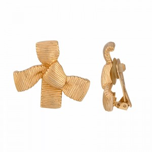 Christian Dior Gold Tone Bow Clip-on Earrings