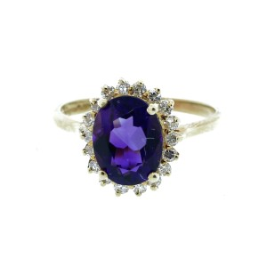 14K Yellow Gold Round Diamond Trimmed Oval Amethyst Ring