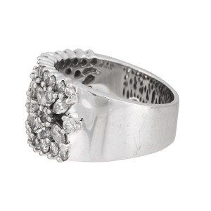 14K White Gold Diamond Floral Band Ring Size 7