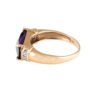 14K Yellow Gold Amethyst and 0.05ct. Diamond Ring Size 6.5