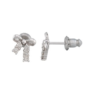 18K White Gold 0.20ctw. Diamond Bow Earrings