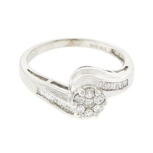 14K White Gold Pave Diamond Flower Ring