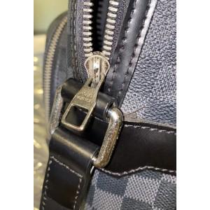 Louis Vuitton Damier Graphite Leoh Messenger Crossbody 861623