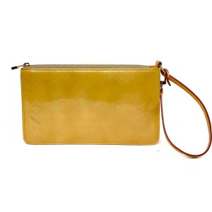 Louis Vuitton Yellow Lexington Pochette Accesoires Monogram Vernis Wristlet 5la859