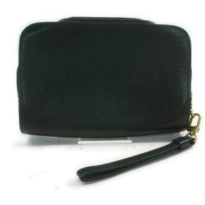 Louis Vuitton  Green Taiga Leather Baikal Wristlet 860980