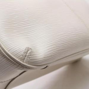 Louis Vuitton  867967 White Epi Turenne PM