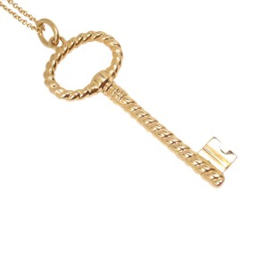 Tiffany & Co. 18K Yellow Gold Twist Oval Key Charm Pendant Necklace