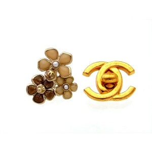Chanel Gold Tone Metal & Simulated Glass Pearl Flowers Stud Earrings