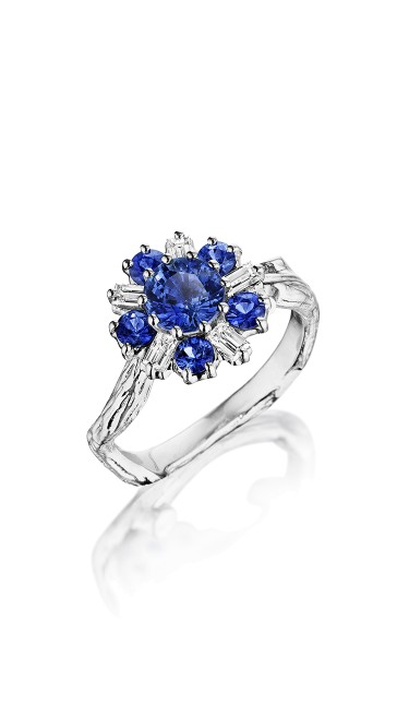 18K Gold Wonderland Sapphire Flower Ring