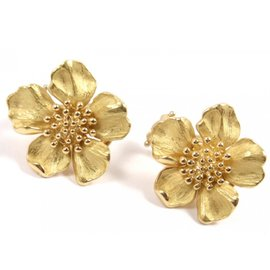 Tiffany & Co. 18K Yellow Gold Dogwood Flower Wild Rose Stud Earrings