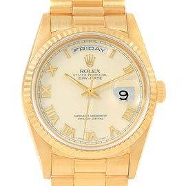 Rolex Day-Date 18238 18K Yellow Gold & Ivory Roman Dial 36mm Mens Watch