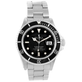Rolex Submariner Date 16800 Stainless Steel 40mm Automatic Mens Watch