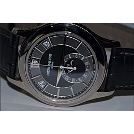 Patek Philippe Annual Calendar 5205G 40 mm Men's Watch